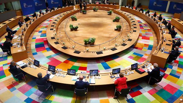 Bloomberg κυρώσεις