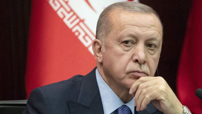 Ο Ερντογάν αναζητά τρόπο αποκατάστασης της επικοινωνίας με τον Λευκό Οίκο,
