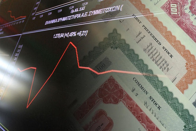 Νέα έξοδος στις αγορές