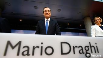 Παρά την αρχική κριτική, σήμερα πολλοί επισημαίνουν ότι οι παρεμβάσεις Ντράγκι συνέβαλαν στη διάσωση του ευρώ