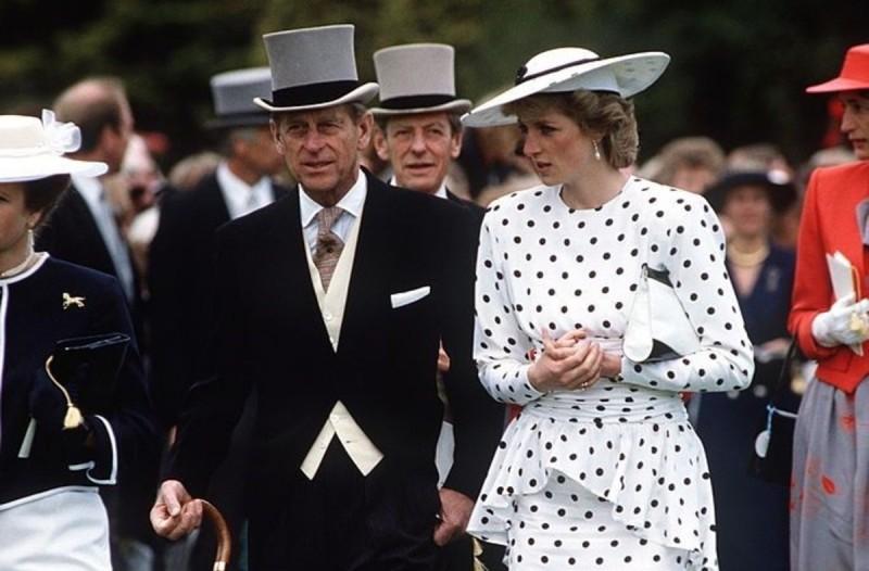 Σάλος στο Buckingham: Στην φόρα το επτασφράγιστο μυστικό της Πριγκίπισσας Νταϊάνα και του Πρίγκιπα Φιλίππου - Retromania - Athens magazine