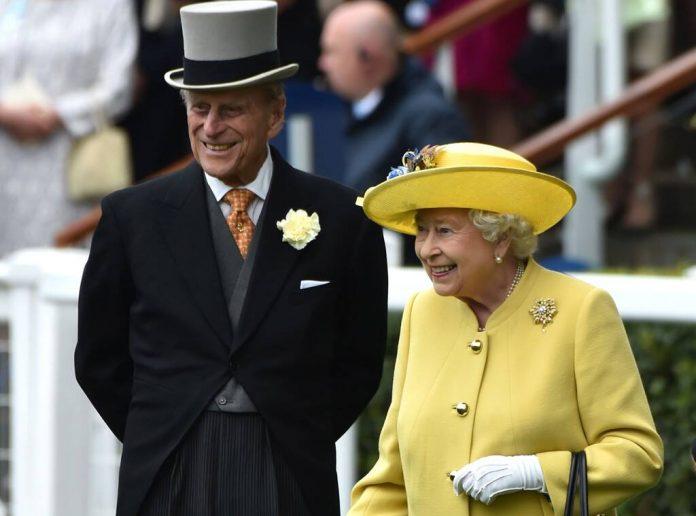 Μετά από 30 χρόνια η βασίλισσα Ελισάβετ και ο πρίγκιπας Φίλιππος θα κάνουν Χριστούγεννα στο Ουίνδσορ - MeaCulpa.gr