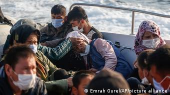 Η τουρκική ακτοφυλακή διασώζει πρόσφυγες