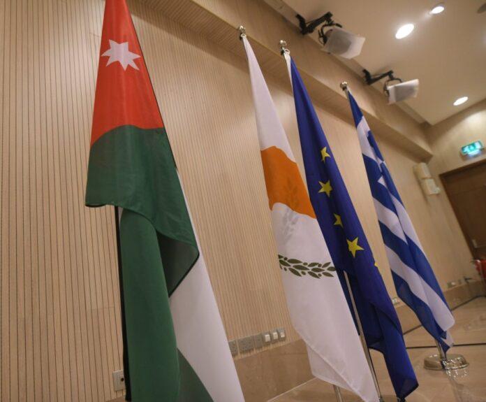 Σκληρό διπλωματικό πόκερ για την αναχαίτιση της στρατηγικής Ερντογάν