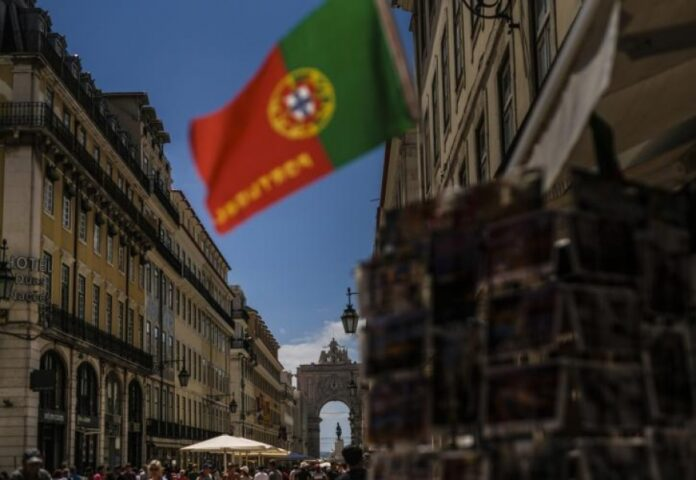 Τέταρτο κύμα πανδημίας: Θα γίνει η Ελλάδα νέα Πορτογαλία;