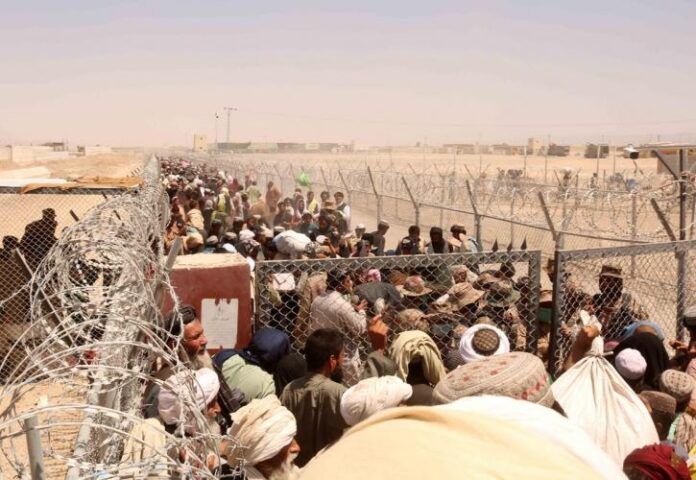 Οι Ταλιμπάν απειλούν με κύμα μεταναστών εάν επιβληθούν κυρώσεις